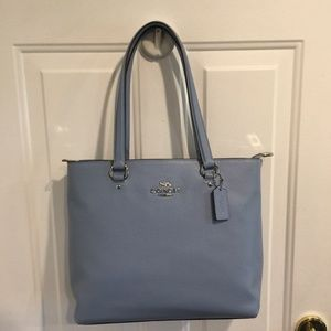 NWT Coach Pebble Leather Bay Tote Cornflower